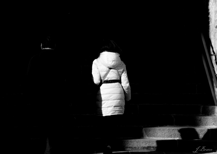 Blanco tras negro